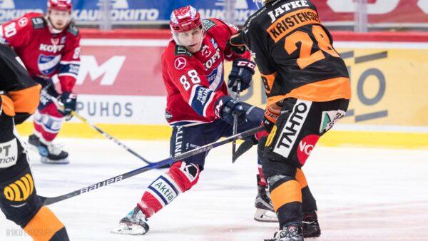 """Erik Karlsson keskiviikkona Nordiksella – """"Koko illan tulee!"""""""