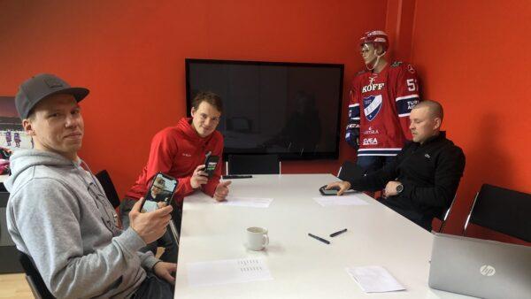 """""""Haloo, Jäky täällä"""" – HIFK:n myyntitykit kausikortteja kaupittelemassa!"""