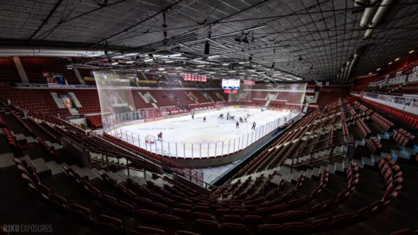 Liiga jatkuu ensi viikolla – joulukuun ottelut pelataan ilman yleisöä