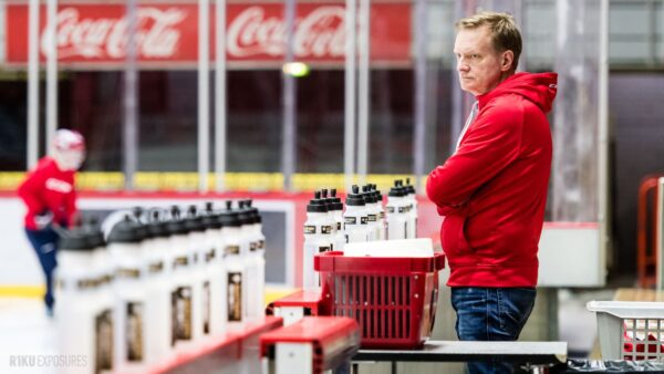 Turvallinen paluu kaukaloon – Haastattelussa HIFK:n pitkäaikainen lääkäri